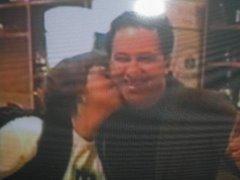 J.Neto recebendo o carinho de sua fã Verônica...(Linda foto)