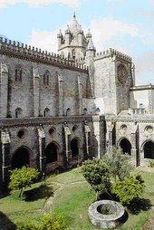 Claustro de Evora (Portugal)
