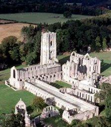 Abadía de Fountains (Gran Bretaña)