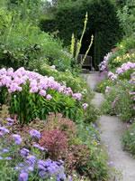 Pretty English Gardens