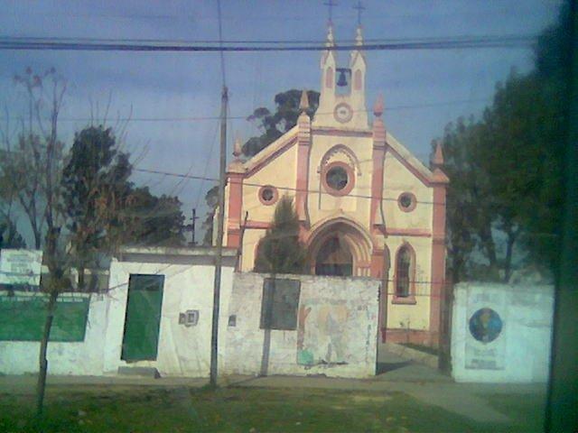 """iglesia vieja"" de Rafael Castillo... asi la llaman"