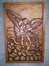 San Miguel Arcangel tallado en madera