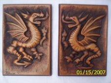 Dragones tallados en madera