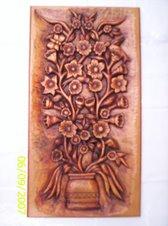 Flores talladas en madera