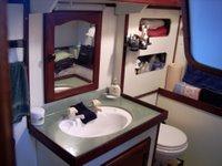 Yacht Keturah toilet