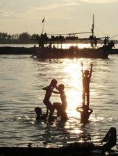 sun shiny shore