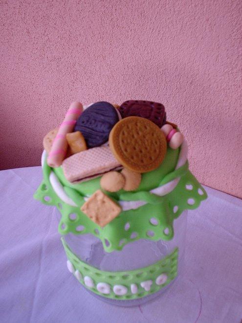 pote de biscoito verde