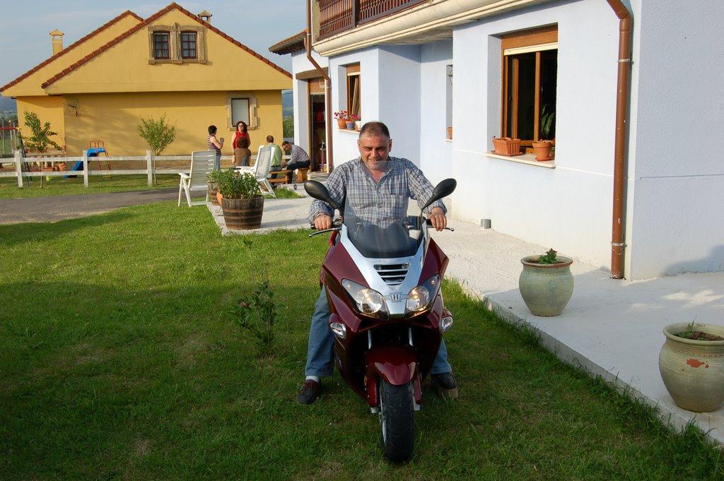 PEDRO CUIDADO CON LA MOTO