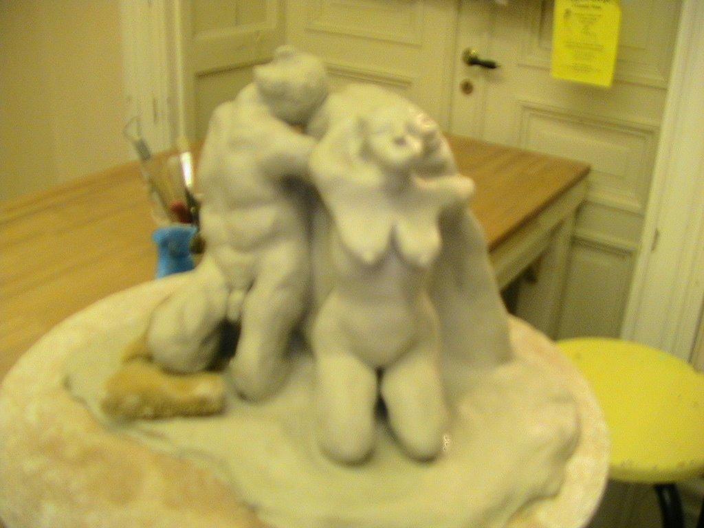 Escultura en ejecución. Esta escultura tiene solo unas horas de trabajo.