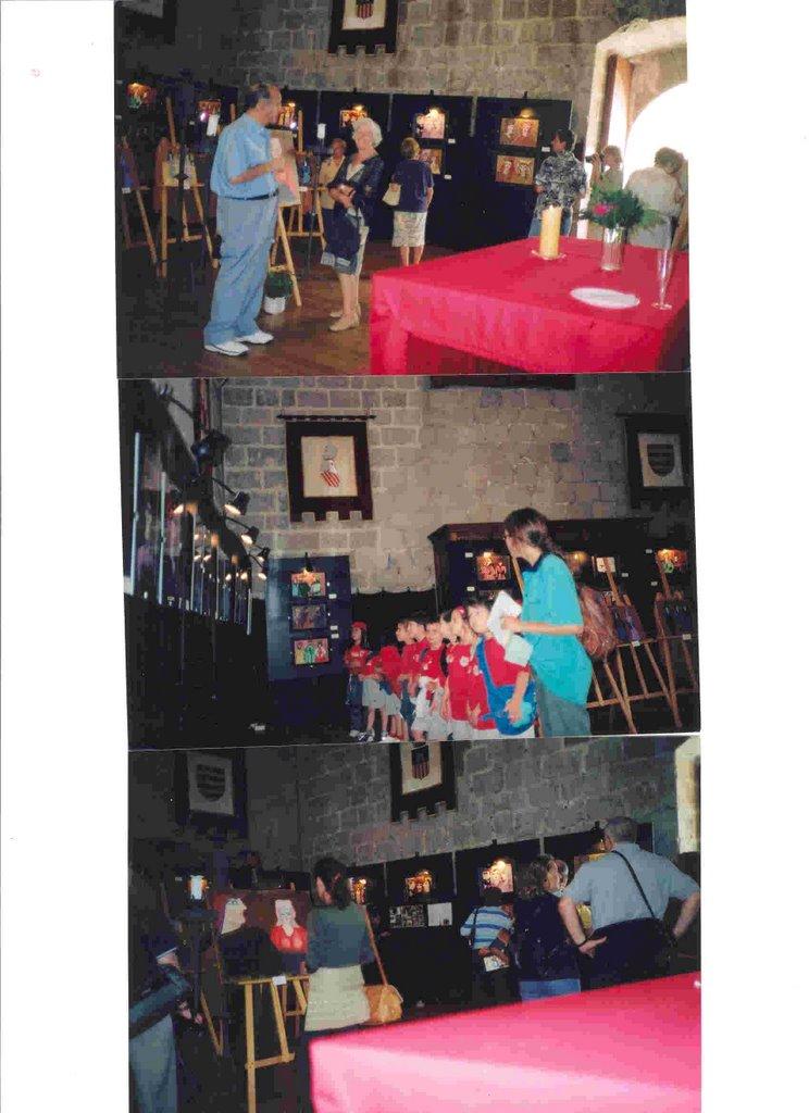 Exposición en el Castillo de Peñícola, España 2002.