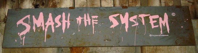 """Smash the System"" του Bansky"