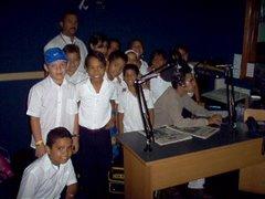 Niños visitan Radio Fe y Alegría Cumana