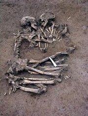 """...Un amor verdadero de más de 5000 años en MantuA...Un """"Romeo y Julieta"""" prehistóricO..."""