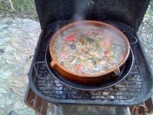 cuina a l'aire lliure: paella a la barbacoa