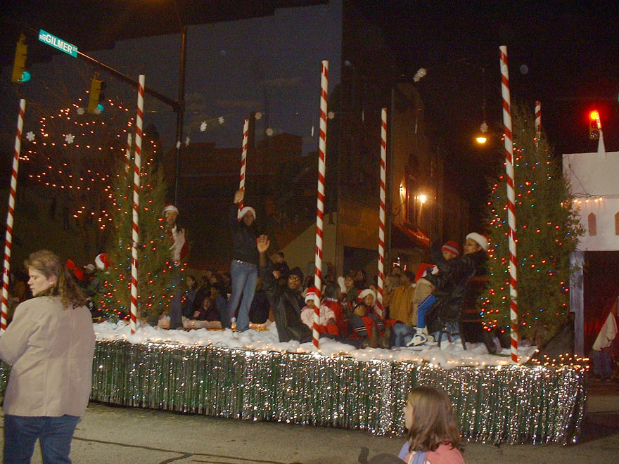 Christmas Church Float Ideas http://theknightshift.blogspot.com/2006/11/2006-reidsville-christmas-parade.html