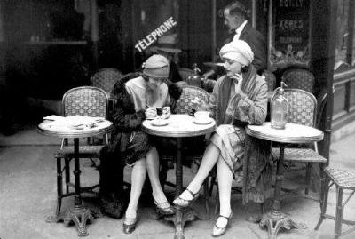 Cafe et cigarette, Paris, 1925