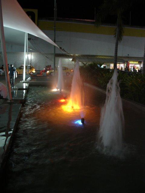 Luces Pasillo San Pedro Plaza - Exito