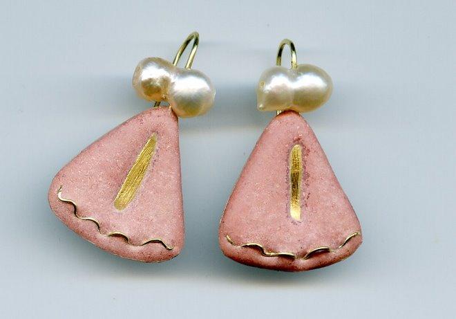 E- 10, silver, gold, pearls