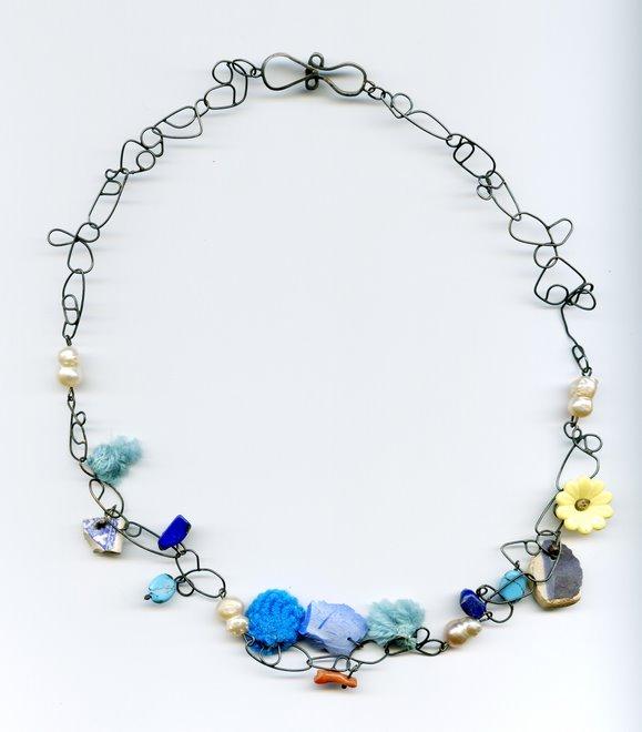 Ke-7, silver, ceramic, textil, plastic, pearls, coral