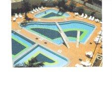 Vista aérea das piscinas