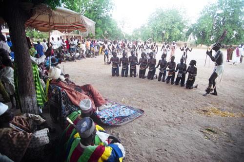 LES CAMEROUNAIS  RESPECTENT  TOUJOURS  LEURS  TRADITIONS