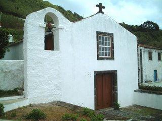 Ermida de S. Pedro, o primeiro templo a ser construído na ilha