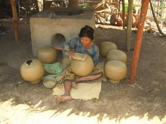 making clay pots by hand