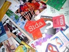 Lees los folletos de SIDA?