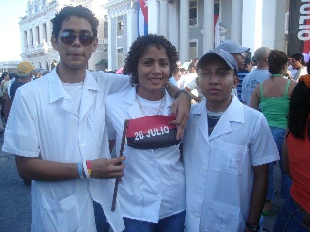 """""""20011 : PRIMERA PROMOCION DE MEDICOS ALBA, HONDURAS"""""""