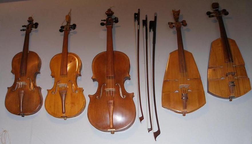 """history of the violin The desire for a """"dark"""" timbre  the history of the viola is closely linked to the development of the other instruments in the violin family, which were first made in northern italy between 1530 and 1550."""