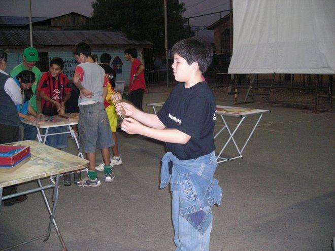 Fabian es otro muy entusiasta voluntario en la enseñanza de los juegos del mundo