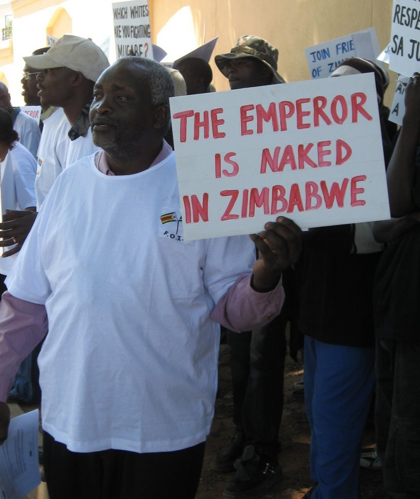 "VaRadical Soldier ku Joburg pa""Anti-Mugabe"" demo!"