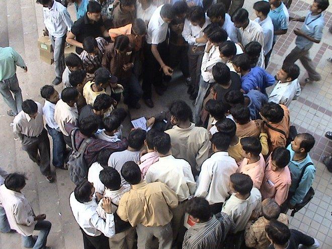 uma rupia por meu país [ one ruppi for my coutry] india 2006