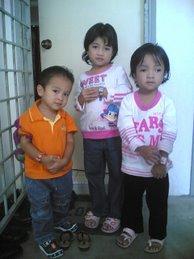 3 Beradik Kembar