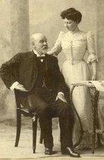 Carlos H. Walker Mackenney y su hija Elena
