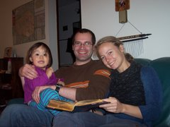 Esther hangin' with Melissa and Dan, Nov 2006, Tacoma, WA