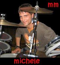 ... un batterista...