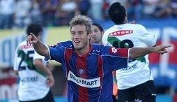 La gata Fernandez festeja su gol