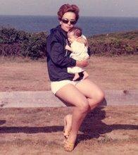 MAM WITH BABY BALABALA BAMBALUNA