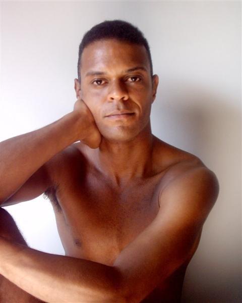REF:015-José Helu -30 anos-RJ DRT-alt:1,79 -70 Kg