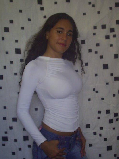 Ref: 001-Carla Vasconcelos-21 anos-RJ-52 kg Manequim:37
