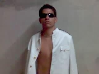REF:010-Angelo Souza -RJ-Altura 1,75-69kg