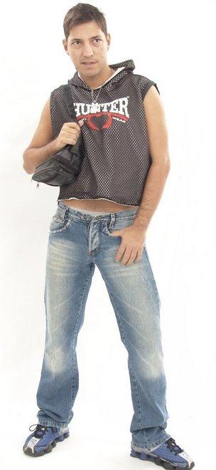 REF:008-Júlio Cesar- 29 anos-70 kg-manequim 40