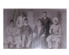 Prof. Arnold with the leaders of Aligarh Movemet