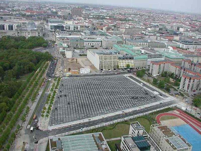4 vistas del Memorial del Holocausto (vista 1)