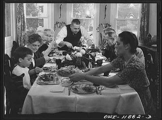 image of family eating a Thanksgiving meal