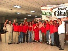 La Marea Roja rosaritense apoyando a Cital Camacho