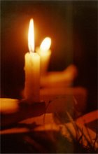 Una candela non ci perde niente nell' accendere un'altra candela.........