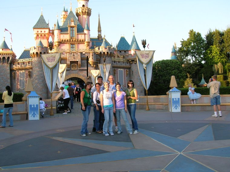 Disneyland Oct06 - our 1st family trip