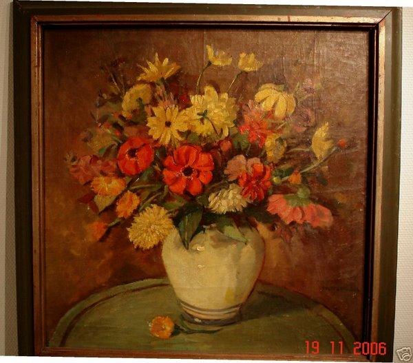 Keramikvase mit Sommerblumen